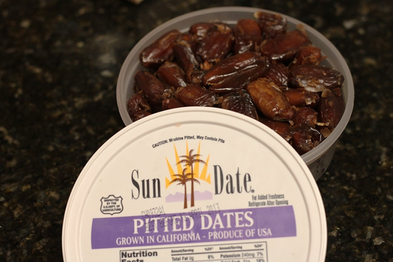 paleo snack recipe with dates