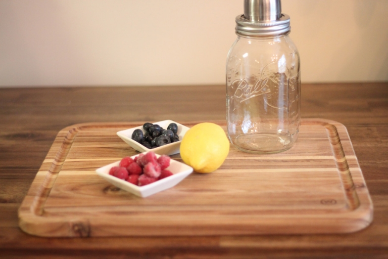 summer spritzer recipe with berries