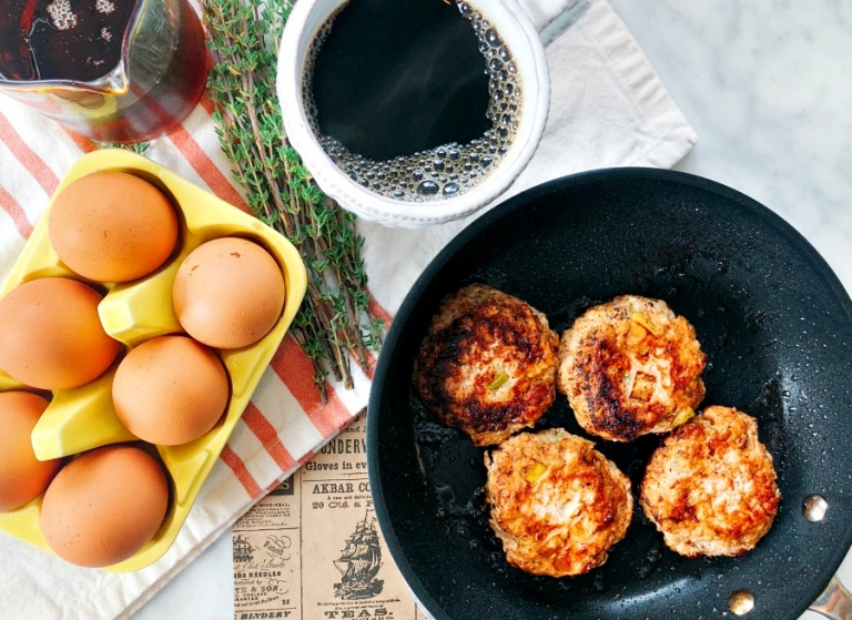 Make ahead paleo breakfast!! Delicious paleo chicken sausages! Super easy prep and so flavorful!
