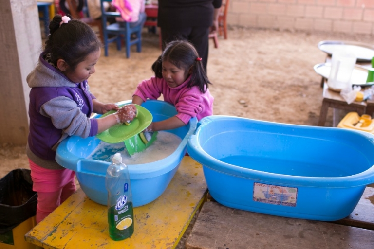 washing dishes in Bolivia