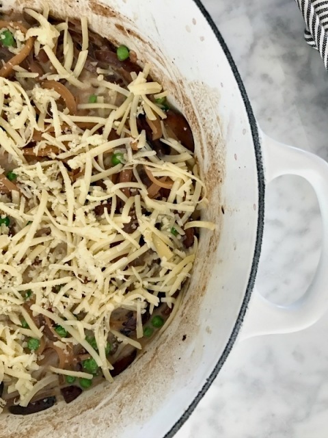 Yeow! Easy, healthy french onion pasta bake!