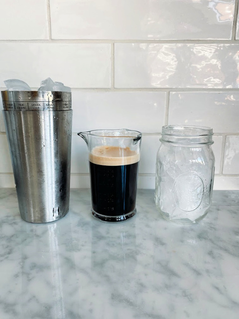 This homemade Starbucks Doubleshot recipe will blow your mind! Method for nespresso and for Moka Express!