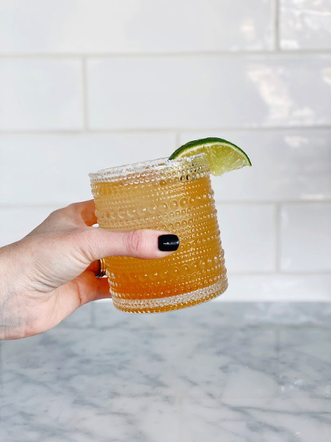 Make delicious cocktails at home! The Beginners Bar Cart guide has everything you need from tools, to alcohol brands to recipes so you can start enjoying fancy, tasty cocktails at home!